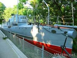 Кът от външната експозиция на Военноморския музей