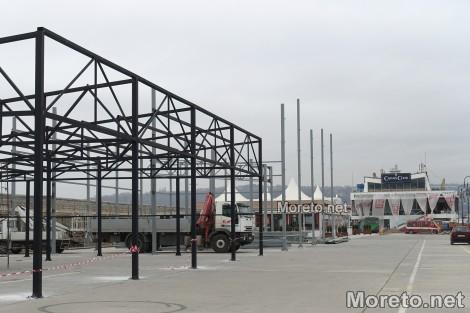 Резултат с изображение за варна морска гара строежи пешеходна зона